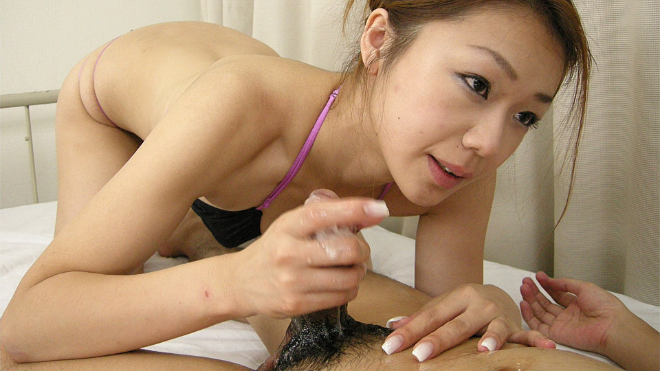 Hirota Sakura rubs cock while getting a toy